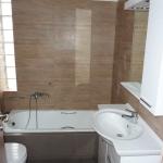 Ανακαίνιση Λουτρού: Μπάνιο σε καφέ αποχρώσεις