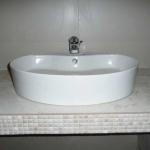 Ανακαίνιση Μπάνιου: Νιπτήρας σε κτιστό πάγκο