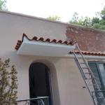 Ανακαίνιση Μονοκατοικίας: Βάψιμο κεραμιδιών και στέγαστρου-εισόδου