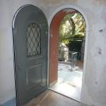 Ανακαίνιση Μονοκατοικίας: Τοποθέτηση πόρτας εισόδου