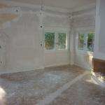 Ανακάίνιση Μονοκατοικίας: Εξωτερικά κουφώματα και τοποθέτηση τζακιού