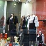 Κατασκευή Βιτρίνας: Γυναικεία βιτρίνα ρούχων