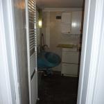 Μερική Ανακαίνιση Σπιτιού: Είσοδος στο μπάνιο πριν την ανακαίνιση