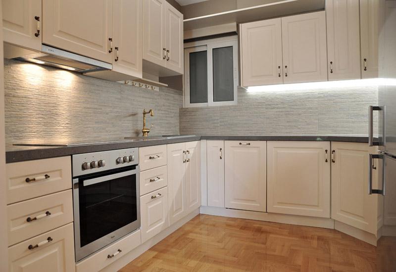 Ανακαίνιση Σπιτιού Πριν και Μετά: Κουζίνα Μετά