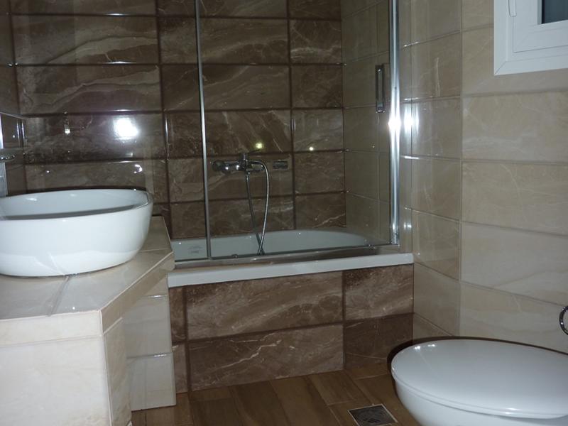 Ανακαίνιση μπάνιου στο Βύρωνα: Μπάνιο μετά
