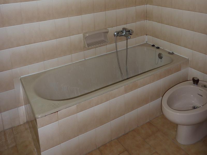 Ανακαίνιση μπάνιου Χαλάνδρι: Μπάνιο πριν