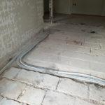 Ανακαίνιση σπιτιού 85τμ - σωλήνες ύδρευσης και θέρμανσης στην κουζίνα