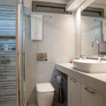 Ανακαίνιση σπιτιού 85τμ στο χολαργό - νέα άποψη μπάνιου μετά την ανακαίνιση